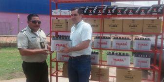 Gobernación entrega baterías para motos y camionetas de la Policía