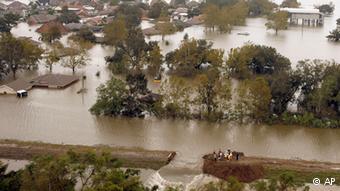 Las inundaciones después de la rotura de un dique en Nueva Orleans como consecuencia del huracán Katrina.