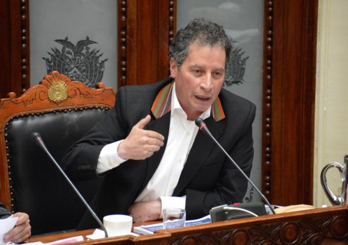 El ministro potosino César Navarro.