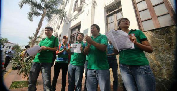 Los estudiantes piden que se reconsidere la inhabilitación de algunos de los postulantes
