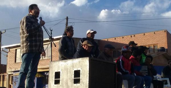 Homenaje a mineros que combatieron a la guerrilla en Huanuni
