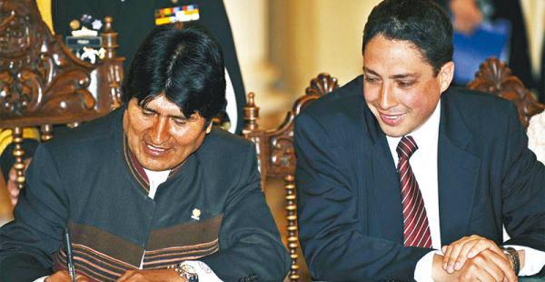 El procurador Héctor Arce es conocido por dar el sustento legal a las propuestas del presidente Morales