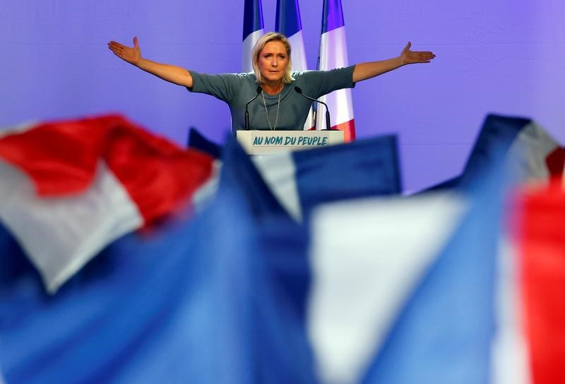 © Reuters. Le Pen confía en una victoria como la de Trump en las elecciones francesas