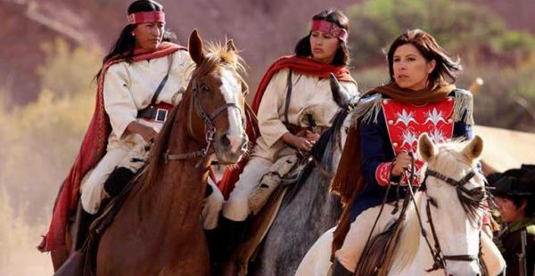 La película cuanta como la actuación de Piti Campos, como Juana Zurduy