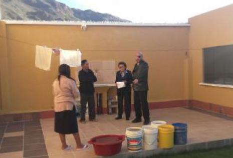 El defensor del pueblo realizó una visita a las zonas afectadas por el racionamiento del líquido.