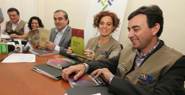 Observadores internacionales participarán como testigos imparciales del proceso de votacións