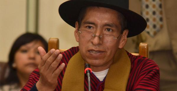 El magistrado Gualberto Cusi fue elegido por voto y suspendido de sus funciones por los miembros de la Cámara de Diputados