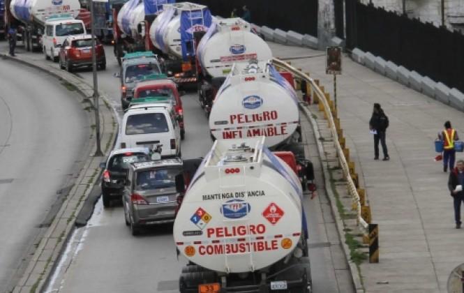 La OMS prohíbe uso de cisternas de gasolina para distribuir agua