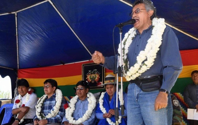 """Gobernador Canelas pide a Morales no cerrar el programa """"Evo Cumple"""", que es"""