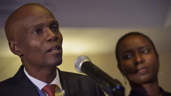 El candidato presidencial haitiano, Jovenel Moise, habla tras ganar las elecciones, según datos preliminares, en Puerto Príncipe. / AFP