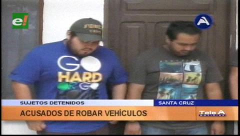 Detienen a sujetos acusados de robo de vehículos
