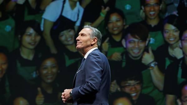 Howard Schultz deja el mando de Starbucks, el imperio mundial de cafeterías que construyó por 30 años. (AP)