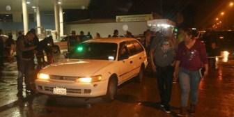 La policía mata a presunto delincuente durante balacera en Santa Cruz