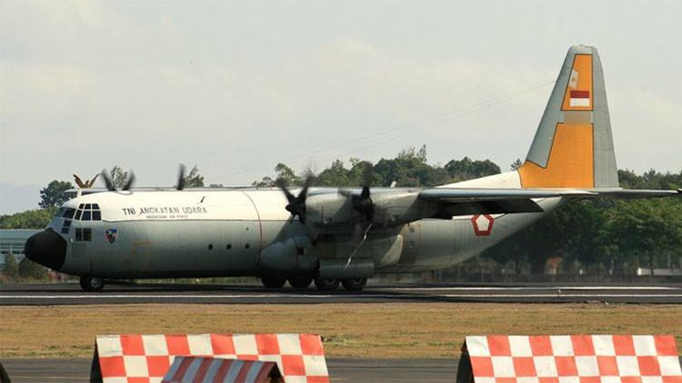 El avión C130 Hércules de la Fuerza Aérea de Indonesia, en el aeropuerto internacional de Adisucipto