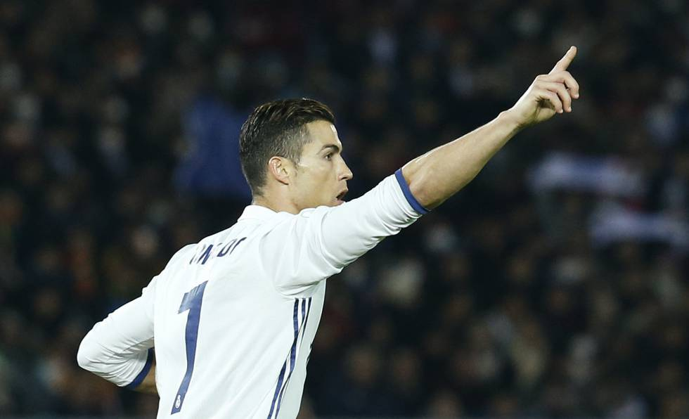 Cristiano celebra el segundo gol del Madrid al Kashima.
