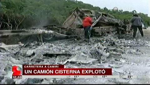 Cisterna se incinera tras accidente en la ruta a Camiri