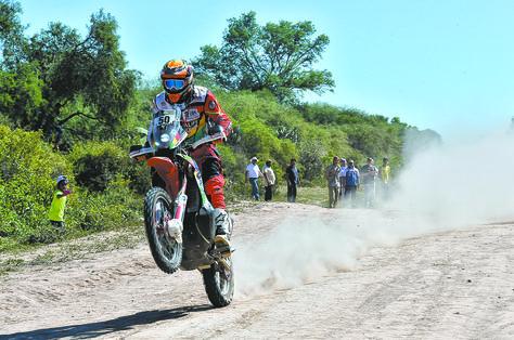 El inicio. Daniel Nosiglia pasa raudamente por uno de los tramos. Foto Prensa Nosiglia.