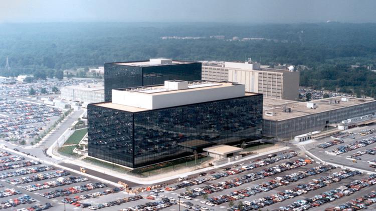 Obama 'regala' a las agencias de Inteligencia de EE.UU. el acceso a los datos espiados por la NSA