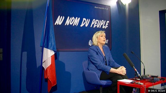 Conferencia de prensa de Marine Le Pen.