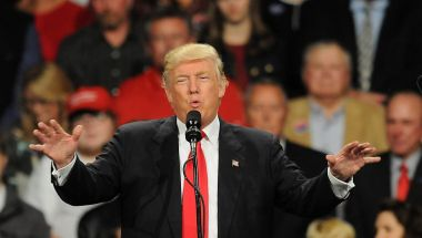Donald Trump ha amenazado a los fabricantes de autos con imponerles tarifas arancelarias mucho más altas si importan los vehículos desde México hacia Estados Unidos. (Crédito: Steve Pope/Getty Images/ Imagen de archivo)