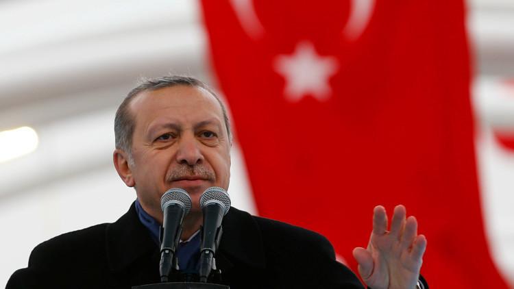 Erdogan aplaude a Trump por poner a la CNN
