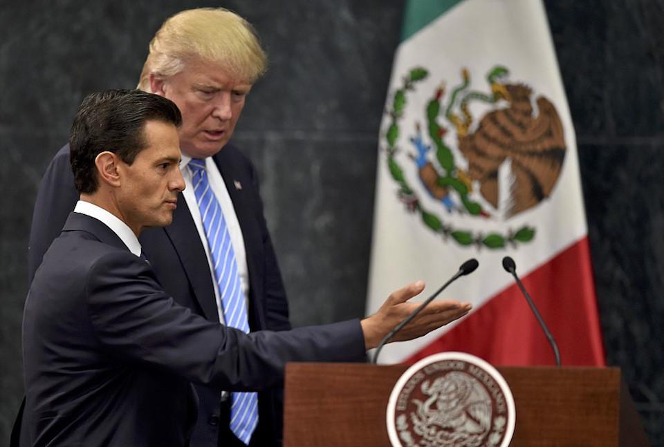 El presidente de México Enrique Peña Nieto y el ahora presidente electo de Estados Unidos, Donald Trump, se encontraron en Ciudad de México en agosto pasado. (YURI CORTEZ/AFP/Getty Images).