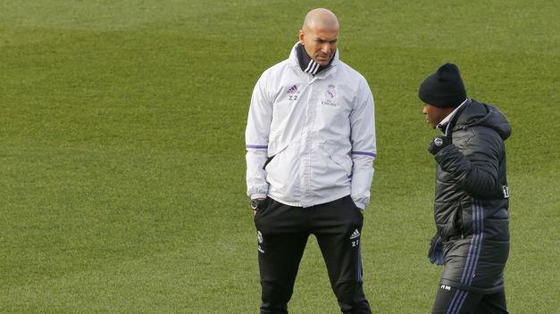 Resultado de imagen para Zidane repite convocatoria aún sin James