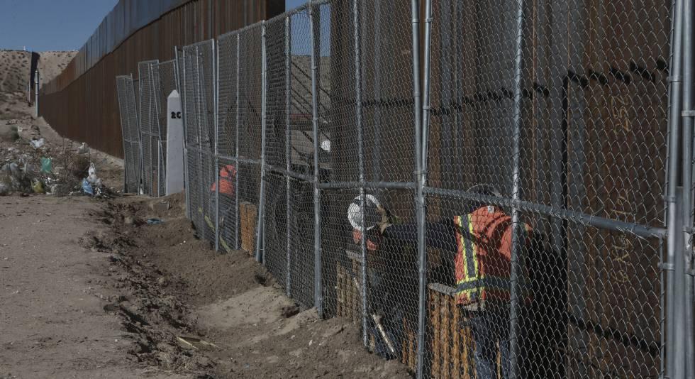 Un tramo de la valla que separa la frontera de EE UU y México, en Nuevo México.