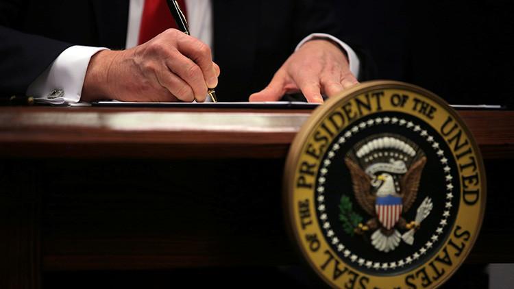 Trump ordena publicar una lista semanal con los delitos cometidos por inmigrantes