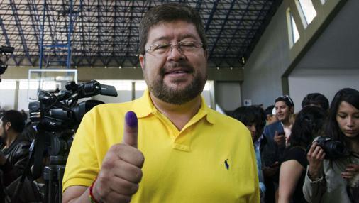 El líder opositor Samuel Doria, tras votar en las elecciones de 2014 en La Paz