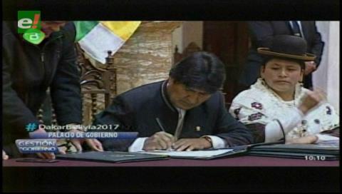 Morales remite al Legislativo tres proyectos de ley para mejorar la justicia