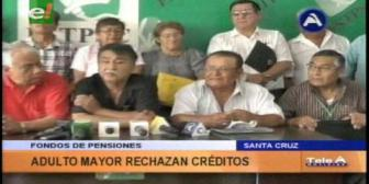 Adultos mayores rechazan el uso de aportes del Fondo de Pensiones