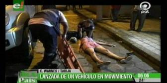 Santa Cruz: Mujer es lanzada de un vehículo en movimiento