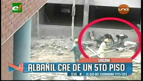 Albañil resultó gravemente herido tras caer del quinto piso de una construcción