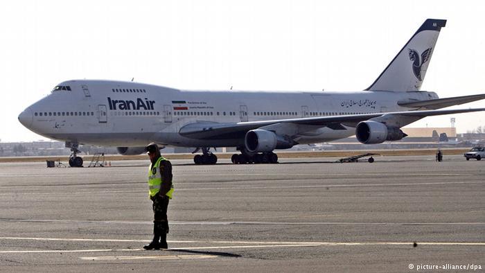 Boeing Flugzeug auf Flughafen Teheran ARCHIVBILD 2009 (picture-alliance/dpa)