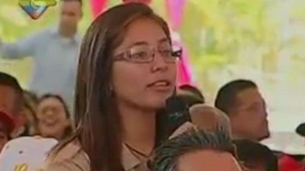 Adolescente le hizo duro reclamo y él respondió así — Nicolás Maduro