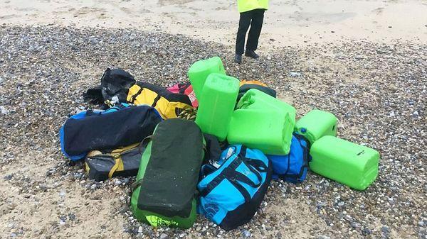Los 12 bolsos hallados en la costa