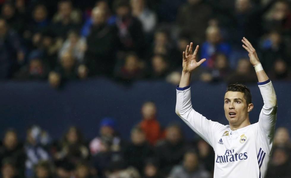Cristiano, en el partido contra Osasuna.