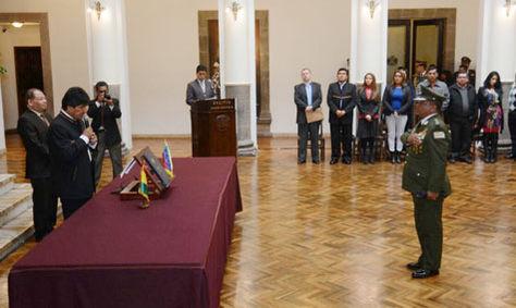 El presidente Evo Morales en la posesión de De la Barra en Palacio de Gobierno.