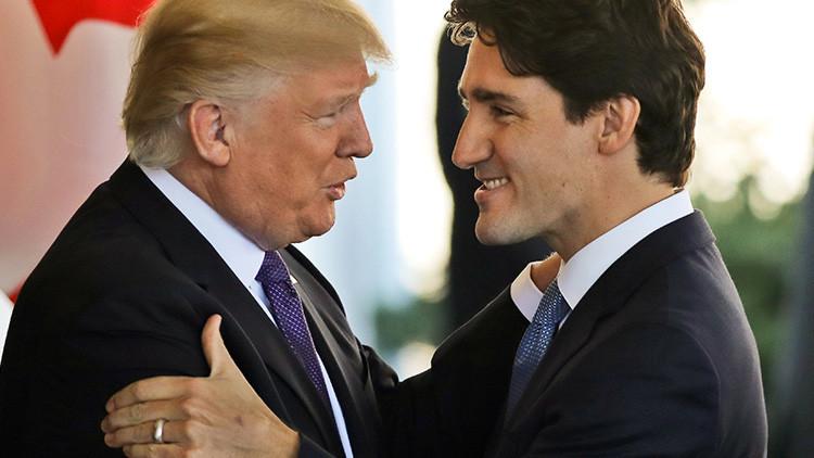 Apretón de manos de Trump con otro líder mundial explota en la Red (Fotos)