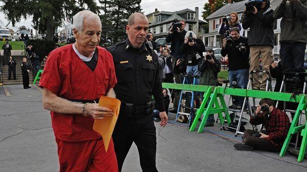 Jerry Sandusky fue condenado a 60 años de prisión por abuso de menores (Getty Images)