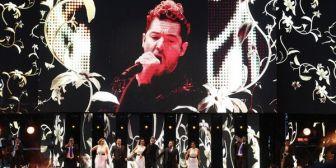 """Juan Gabriel """"revivió"""" en forma de holograma y emocionó a sus fanáticos en un concierto homenaje"""