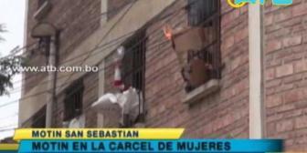 Cochabamba: Reclusas se amotinan en la cárcel de San Sebastián