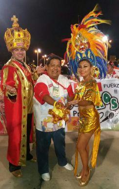 Faranduleros: Rodrigo Mendes Roca Javier Vargas y Gabriela Oriendo