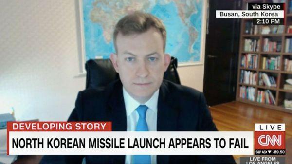 El pedido de CNN al padre del video viral de la BBC que enfureció a sus nuevos fans en las redes