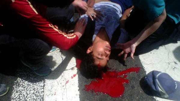 Carlos José Moreno, de 19 años, fue herido de gravedad
