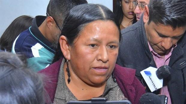 Rechazan cesación a la detención para exministra Achacollo