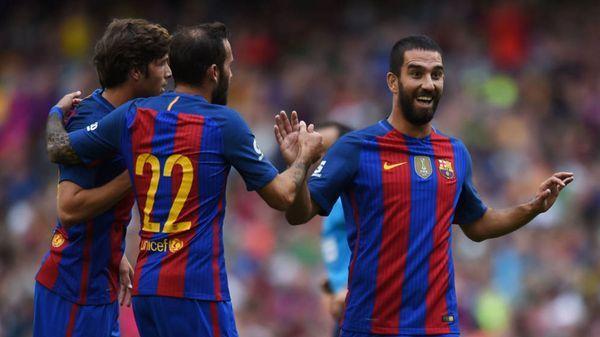 Arda Turan abandonaría el Barcelona para llegar al Arsenal de Inglaterra