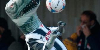 El club inglés que prohibió el ingreso de juguetes inflables a su estadio