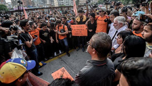 Estudiantes se concentraron en Chacao para homenajear a los caídos